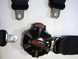 cessna rotary buckle open
